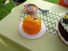 Lorax smash cake!!!! Very simple but super cute this lorax smash cake was perfect for my sons first birthday!!