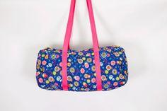 travel bag, weekender bag, sports bag, beach bag, colourful, bag on vacation