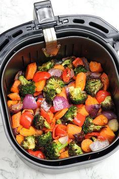 Air Fryer Vegetables | Air Fryer Roasted Vegetables - Recipe Vibes Air Fried Vegetable Recipes, Air Fryer Recipes Vegetables, Vegetable Medley, Air Fryer Dinner Recipes, Steamed Vegetables, Veggies, Air Frier Recipes, Air Fryer Healthy, Healthy Side Dishes