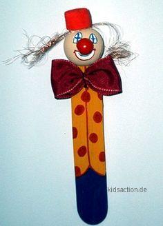 Lesezeichen Clown Bastelspachtel Popsicle Stick Crafts For Kids, Popsicle Sticks, Craft Stick Crafts, Christmas Jesus, Christmas Crafts, Christmas Tree, Clowns, Clowning Around, Spring Crafts