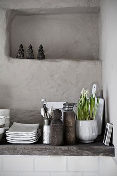 = soft grey and shelving niche