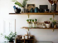 plants and shelves // via studio choo East wall of the living room? Ideas Prácticas, Wood Shelves, Plant Shelves, Rustic Shelves, Kitchen Shelves, Piece A Vivre, Interior Exterior, Home Decor Inspiration, Decoration