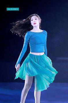 Ice Skating, Figure Skating, Kim Yuna, Skating Dresses, Sport Girl, Ulzzang Girl, Athletics, Cute Girls, Asian Girl