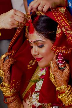 Your search for Bengali Marriage Dates for is now over. Here's a list of all the Panjika Shuvo Bibaho Dates for the Year 1425 Bengali Bridal Makeup, Bengali Wedding, Bengali Bride, Indian Bridal Photos, Indian Bridal Fashion, Indian Wedding Couple Photography, Bride Photography, Amazing Photography, Photography Ideas