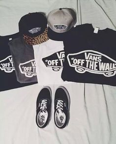 "VANS ""OFF THE WALL"" T-SHIRTS"