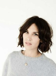 wavy bob without bangs