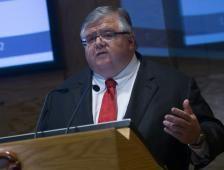 Carstens dejará Banxico con tasa de 7.0% - El Financiero