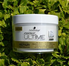 Schwarzkopf Essence Ultime Omega Repair mask #review via @beautybymissl #beauty #haircare