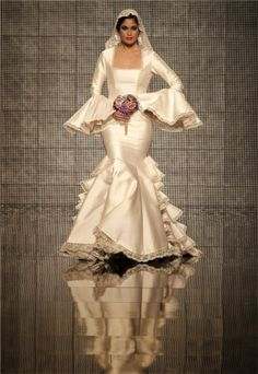 Pasarela Simof 2014: vestido de novia flamenca Aurora Gaviño