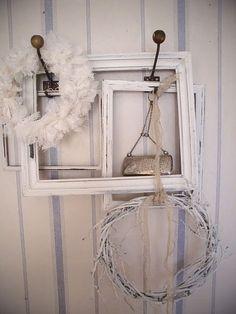 empty frames grapevine ~all white theme