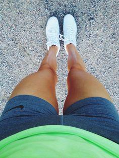 Healthy thigh gap