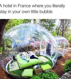 Bild über We Heart It https://weheartit.com/entry/156162795/via/28938681 #bed #bedroom #france #hotel #OMG #room #sleep #wheredoyoupoo?
