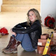 Sarah Beeny's top 10 tips to double your house for half the money House Extensions, Kitchen Extensions, New Tv Series, First Time Home Buyers, Ground Floor, Home Furnishings, Money, Channel, Sell House