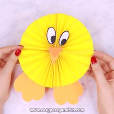 Paper Rosette Chick Easy Easter Paper Craft 2019 If you are looking for an easy Easter paper craft to make with the kids give this paper rosette chick craft a go. The post Paper Rosette Chick Easy Easter Paper Craft 2019 appeared first on Paper ideas. Bee Crafts For Kids, Easy Easter Crafts, Easter Art, Bunny Crafts, Flower Crafts, Preschool Crafts, Easy Crafts, Art For Kids, Kids Diy