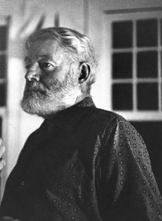 The american writer Ernest Hemingway posing in his house in Cuba. San Francisco de Paula, Get premium, high resolution news photos at Getty Images Earnest Hemingway, Grey Beards, Story Writer, The New Yorker, Classic Films, Writers, Authors, Good Thoughts, Cuba