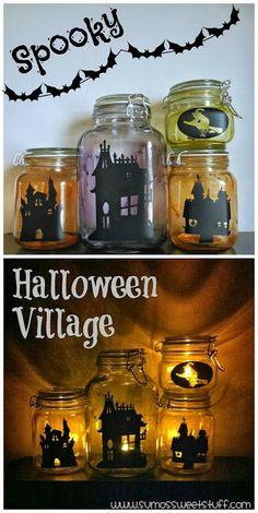 Terrorífica villa de  Halloween Hecha con siluetas de casas y frascos de vidrio para alimentos al vacío, ingeniosa y decorativa  #DecoracionHalloween