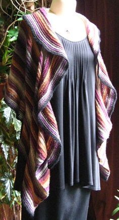 "beautiful ""whose shawl do you think this is?"" - FREE knitting pattern"