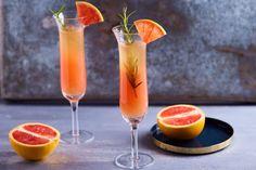 Grapefruitos pezsgőkoktél Hurricane Glass, Grapefruit, Tableware, Food, Dinnerware, Lantern, Tablewares, Eten, Place Settings