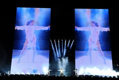 Heels on the Ground: Beyoncé and the Army of Women at Her Command - The New York Times