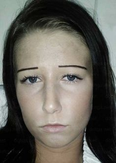Do these people actually think they look good? As far as we can tell they are 28 of the most funniest eyebrow fails we have ever seen. Funny Eyebrows, Bad Eyebrows, How To Draw Eyebrows, How To Apply Mascara, Eye Brows, Drawn Eyebrows, Worst Eyebrows, Eyebrow Fails, Random Stuff