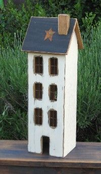 Lighted Country Houses and Primitive Saltbox Houses Beleuchtete Landhäuser und primitive Saltbox-Häuser handwerk Clay Houses, Miniature Houses, Bird Houses, Primitive Wood Crafts, Primitive Homes, Primitive Stitchery, Primitive Patterns, Country Crafts, Country Decor
