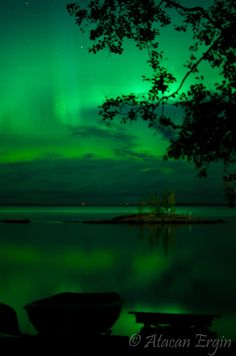 Aurora borealis over Tampere, Finland. Photo by Atatcan Ergin. Beautiful World, Beautiful Places, Beautiful Pictures, World Of Color, Color Of Life, Northen Lights, All Nature, Nature Pictures, Shades Of Green