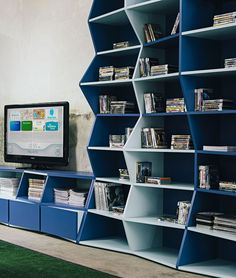 http://www.ireado.com/unique-design-zig-zag-shelf-by-henrique-steyer/ Unique Design, ZIG ZAG Shelf By Henrique STEYER : Contemporary Bookshelf In Blue Zig Zag Shelf
