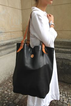 Alina bag nice leather bag. would love to see this made from upcycled pieces as an art piece though