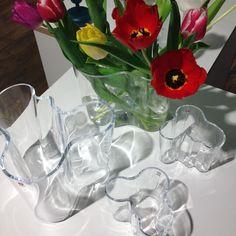 Den klassiska och perfekta gåvan, Alvar Aalto vas. Just nu gåvoset liten och stor 999kr. Komplettera med ett gäng tulpaner och strunta i de isande vindarna och hala gatorna! #selectedbyroom #alvaraalto #iittala #vas