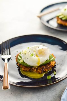 Poached egg avocado sweet potato hash browns is a healthy, whole30 play on avocado toast! Grain free, paleo, dairy free and made with real food ingredients!