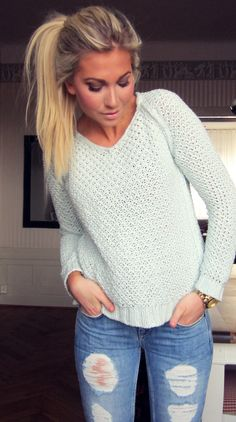Comfy sweater, ripped jeans, cute ponytail, love it all!!