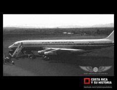 """Llegada del N804PA, """"Midnight Sun"""", Douglas DC-8 de pan American, el primer jet en aterrizar en costa rica en el aeropuerto el coco el 4 de marzo de 1962."""