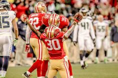 #49ers Eric Wright with a pick on Russell Wilson to end the game with a W. #Niners 19 - Seahawks 17 (12/8/13)