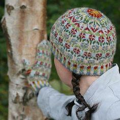 Ravelry: Peerie Flooers pattern by Kate Davies Designs Fair Isle Knitting Patterns, Fair Isle Pattern, Punto Fair Isle, Knit Crochet, Crochet Hats, Fair Isles, Knitting Accessories, Knitted Gloves, Bandeau