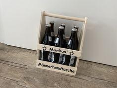 🔹Bierträger aus Holz  / Männerhandtasche / Geburtstagsgeschenk / personalisiert   #geburtstag #vatertag #handtasche #papa #opa #holz #biertrinker #biertragerl #bier Wine Rack, Magazine Rack, Etsy, Storage, Decor, Beer Bottles, Drink Beer, Pun Gifts, Protective Mask