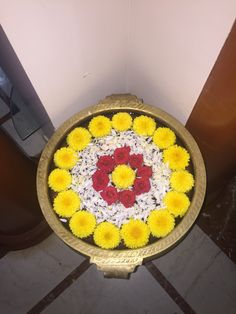 Rangoli Designs Latest, Rangoli Designs Flower, Rangoli Designs Diwali, Flower Rangoli, Kolam Designs, Flower Bowl, Flower Art, Diwali Decorations At Home, Housewarming Decorations