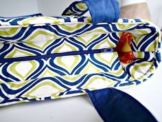 Video step by step tutorial on how to add a recessed zipper to ANY bag sewing pattern. Once you know the technique, it's easy to add this sort of closure to the top of almost any bag pattern. Great video!