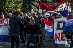 Beeld: Anti-azc protesten in Enschede