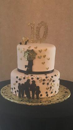 Love this 10 year vow renewal cake! Ten Year Anniversary Gift, Happy Anniversary Cakes, Wedding Anniversary Cakes, Homemade Anniversary Gifts, Anniversary Parties, Anniversary Ideas, Anniversary Decorations, Wedding Cake, Wedding Stuff