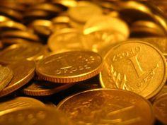 Kredyt czy Pożyczka?  Święta, Sylwester, mnóstwo zabawy i prezentów.  Czy opłaca się brać kredyt w banku by sprawić sobie i swoim najbliższym idealne święta? Czy opłaca się wziąć kredyt w banku specjalnie na święta, czy jednak wspomóc się niewielką kwotą jaką mogą zaoferować firmy pożyczkowe?  http://www.kalkulator.pl/kredyt-gotowkowy-kalkulator