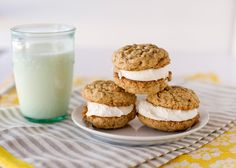 Oatmeal Cream Pies, via Baked Bree. I don't know that I would ever make these as I'm not a fan of fluff, but it's nice to know I could.