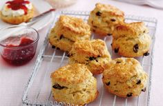 Learn to make traditional British fruity scones with this foolproof recipe from Mary Berry. Enjoy with lashings of jam and cream for a classic cream tea. Mary Berry Scones, Mary Berry Pancakes, Mary Berry Biscuits, Mary Berry Fruit Cake, Fruit Tea, Cream Tea, Baking Recipes, Cake Recipes, Dessert Recipes