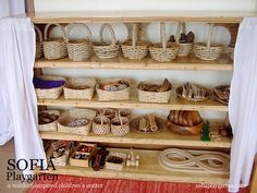 Waldorf toy and imagination building shelf. I love the aesthetic of baskets and natural tones. Waldorf Preschool, Waldorf Kindergarten, Waldorf Toys, Waldorf Playroom, Play Spaces, Learning Spaces, Kid Spaces, Building Shelves, Godly Play