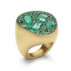 Look at this! Our candidate to the Couture Award 2018. A one-of-a-kind emerald cocktail ring. Do you like it?…