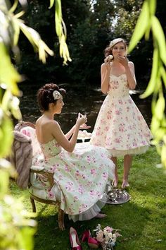 Garden party clothes tea time 52 Ideas for 2019 Tea Party Attire, Tea Party Outfits, Party Clothes, Jackie Kennedy, Le Pilates, Garden Party Wedding, Garden Party Dresses, Vintage Tea Party Dresses, Summer Wedding