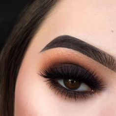 The lighting was really playing me this day but who doesn't love a good smokey eye? DETAILS: @beautybakeriemakeup Neapolitan EyesCream palette in the shades Strawberry, Sundae Funday, Drive Thru, and U Scream with Fudge it All EyesCream cream shadow as a base on the lid. I also used their GELato liner in Cioccolato to tight line my eyes. My highlight is their So Icy illuminator in Iced mixed with Chocolate Chip from the Neapolitan palette, and my brows are BROWnies in the shade Brown ...