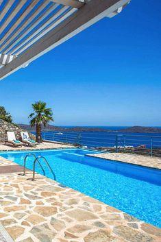 Crete Holiday, Greek Island Hopping, Sun Holidays, Crete Greece, Enjoying The Sun, Ultimate Travel, Beach Hotels, Greek Islands, Mykonos
