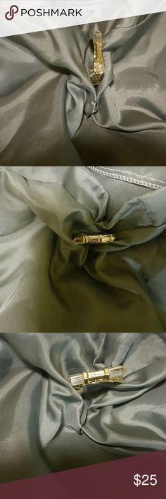 Bracelet with clear quartz crystal.  Size is adjus Beautiful Clear Quartz Crystal Bracelet Jewelry Bracelets