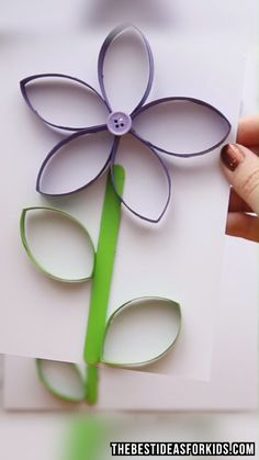 PAPER ROLL FLOWER & BUTTERFLY 🌸🦋 - such a fun way to recycle toilet paper rolls into a simple craft for kids! Perfect for a spring craft! Best Picture For big Paper Flowers For Your Spring Crafts For Kids, Halloween Crafts For Kids, Easy Crafts For Kids, Crafts To Make, Kids Diy, Fall Crafts, Sharpie Crafts, Toilet Paper Roll Crafts, Diy Projects With Toilet Paper Rolls