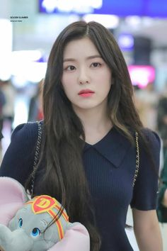 Irene-Redvelvet 190730 HongKong Airport to Korea Red Velvet アイリーン, Red Velvet Irene, Kpop Girl Groups, Korean Girl Groups, Kpop Girls, Seulgi, Red Velet, Swagg, Doutzen Kroes